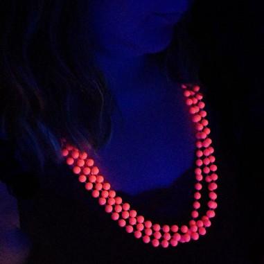 Collier en Perles Fluo