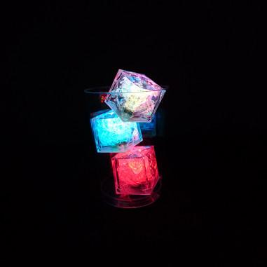 Mehrfarbiger Lichtwürfel