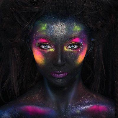 Maquillage Pailleté Fluo